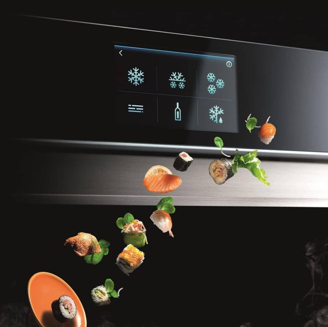 Frisches Sushi daheim, schnell gekühlter Wein oder ein sanft durchgegartes Stück Fleisch? FREDDY ist multifunktional - und kann dafür intuitiv am Touchdisplay bedient werden. (Foto: Irinox)