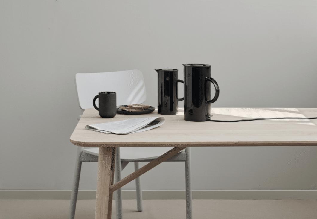 neues von stelton der em77 wasserkocher und der emma toaster. Black Bedroom Furniture Sets. Home Design Ideas