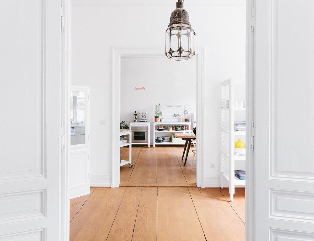Was Küchentrends auch ausmacht: ein Wandel in kleinen Schritten. An die Modulküche (siehe Foto) wagen sich nur wenige heran, an eine freistehende Insel für den Anfang aber schon. (Foto: naber)