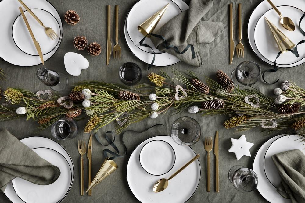 Broste Copenhagen steht für klassische, moderne und minimalistische Geschirr- und Dekorationswaren und versprüht selbst bei der Weihnachtsdekoration ein hohes Maß an skandinavischem Charme.