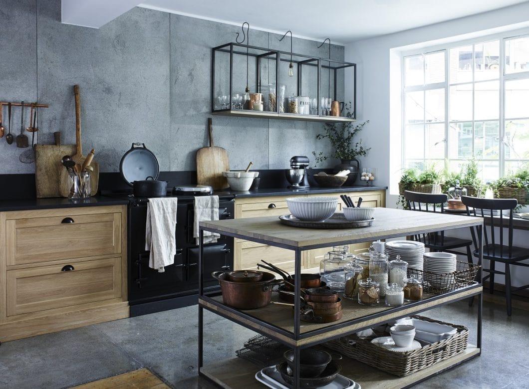 Neptune Kücheninseln sind alles andere als gewöhnlich: mit diesem offenen Modell, der Carter Kitchen Island, nehmen sie Anklang an den traditionellen Landhausstil. (Foto: Neptune)