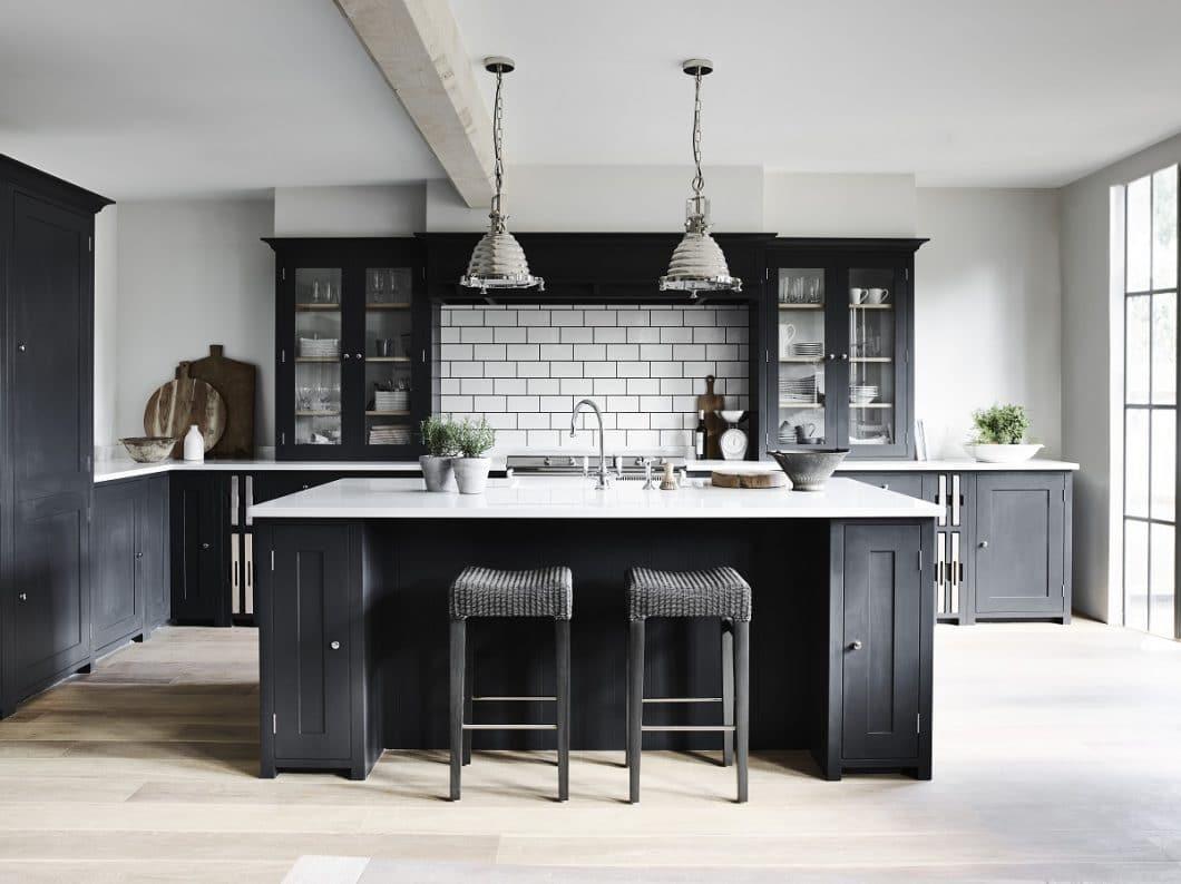 """Individualität wird bei den im Detail gefertigten Küchen von Neptune großgeschrieben - auch bei den Neptune Kücheninseln. Wer mit """"Charlecote"""" und """"Carter"""" nichts anfangen kann, lässt sich etwas Individuelles designen. (Foto: Neptune)"""