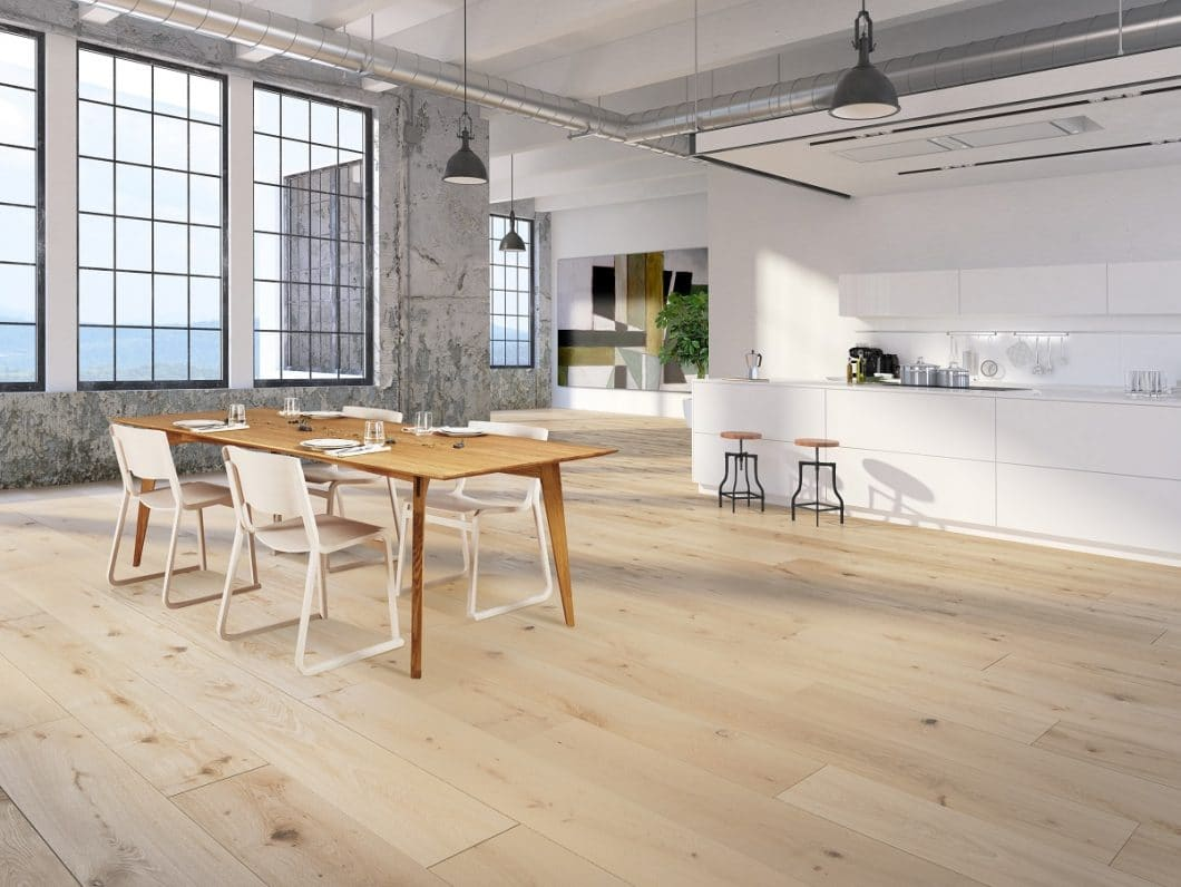 Angefangen bei einzelnen Schreinereiprodukten, fertigt SPEKVA nun vom Holzstuhl über den Esstisch bis hin zur Arbeitsplatte alle Holzoberflächen für die Küche an. (Foto: SPEKVA)