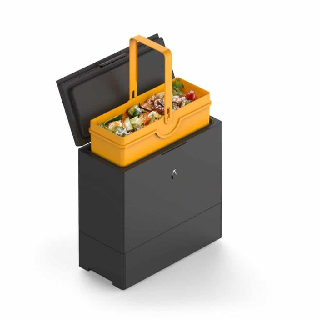 Der Abfallbehälter FreezyBoy des gleichnamigen Schweizer Start-Up ist nicht nur modern designt, sondern mit einer cleveren Idee versehen: er kühlt organischen Abfall herunter, um die Bakterienbildung zu vermeiden. (Foto: FreezyBoy)