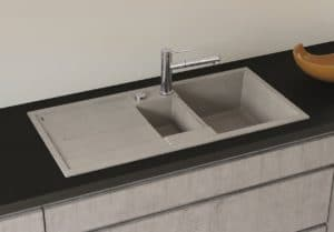 SILGRANIT®besitzt nahezualle Vorteile, die sein Hauptbestandteil Granit in der Küche so beliebt machen.