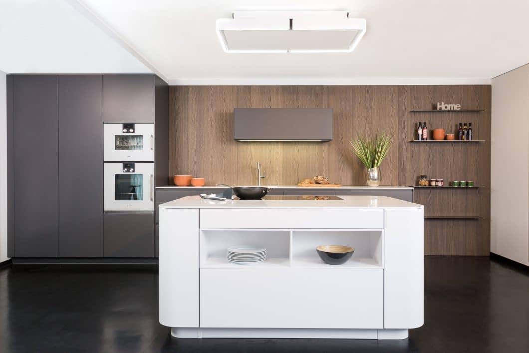 Studio Lang Küchen Rational Tio Graphitgrau Und Weiß Mit Nischenwand