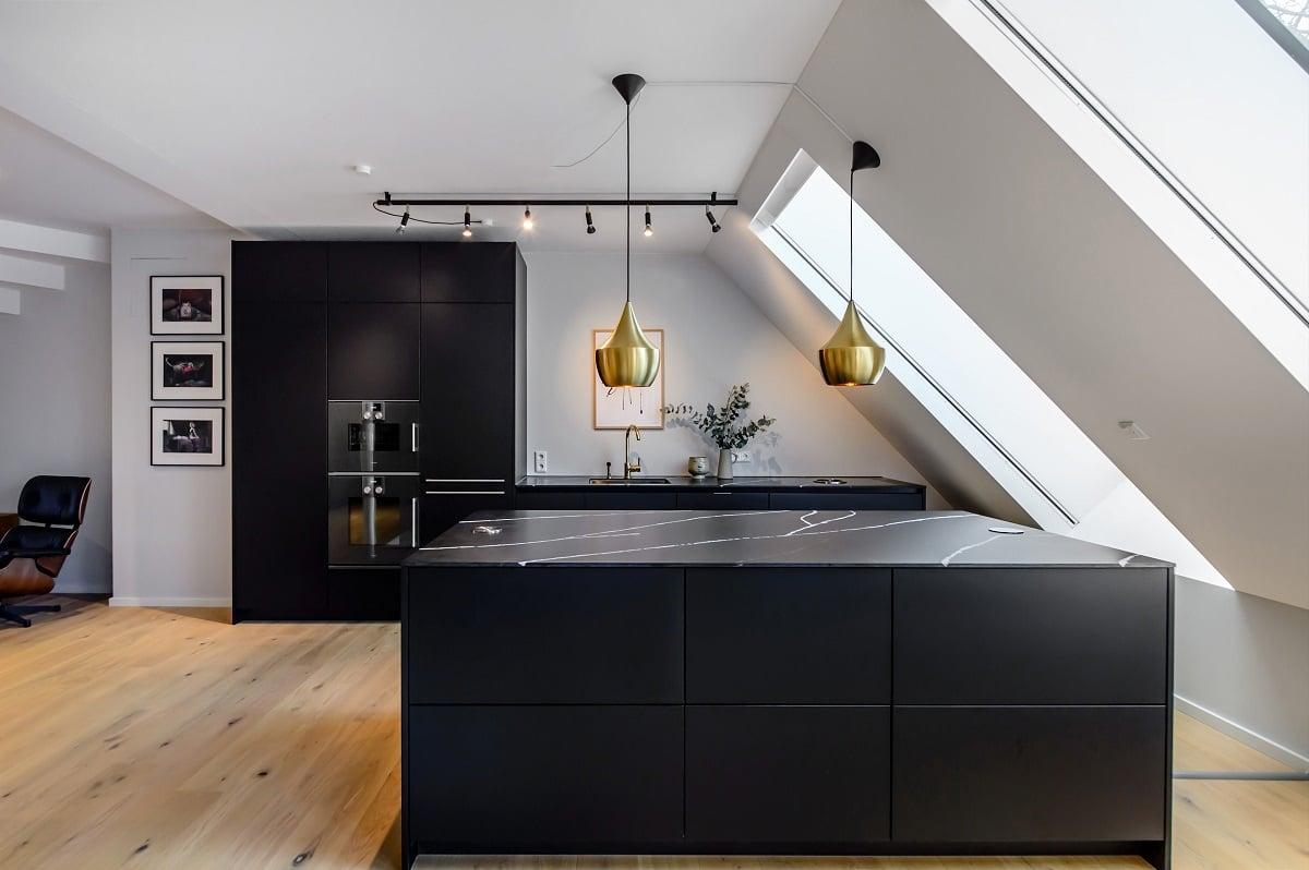 Fotogalerie mit schwarzen Küchen: lassen Sie sich inspirieren!