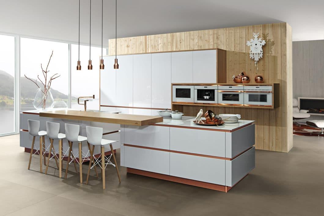 zeyko hat sich neu aufgestellt: Trendfarben wie Kupfer finden ebenso Eingang in die Planung hochwertiger Küchenräume... (Foto: zeyko)