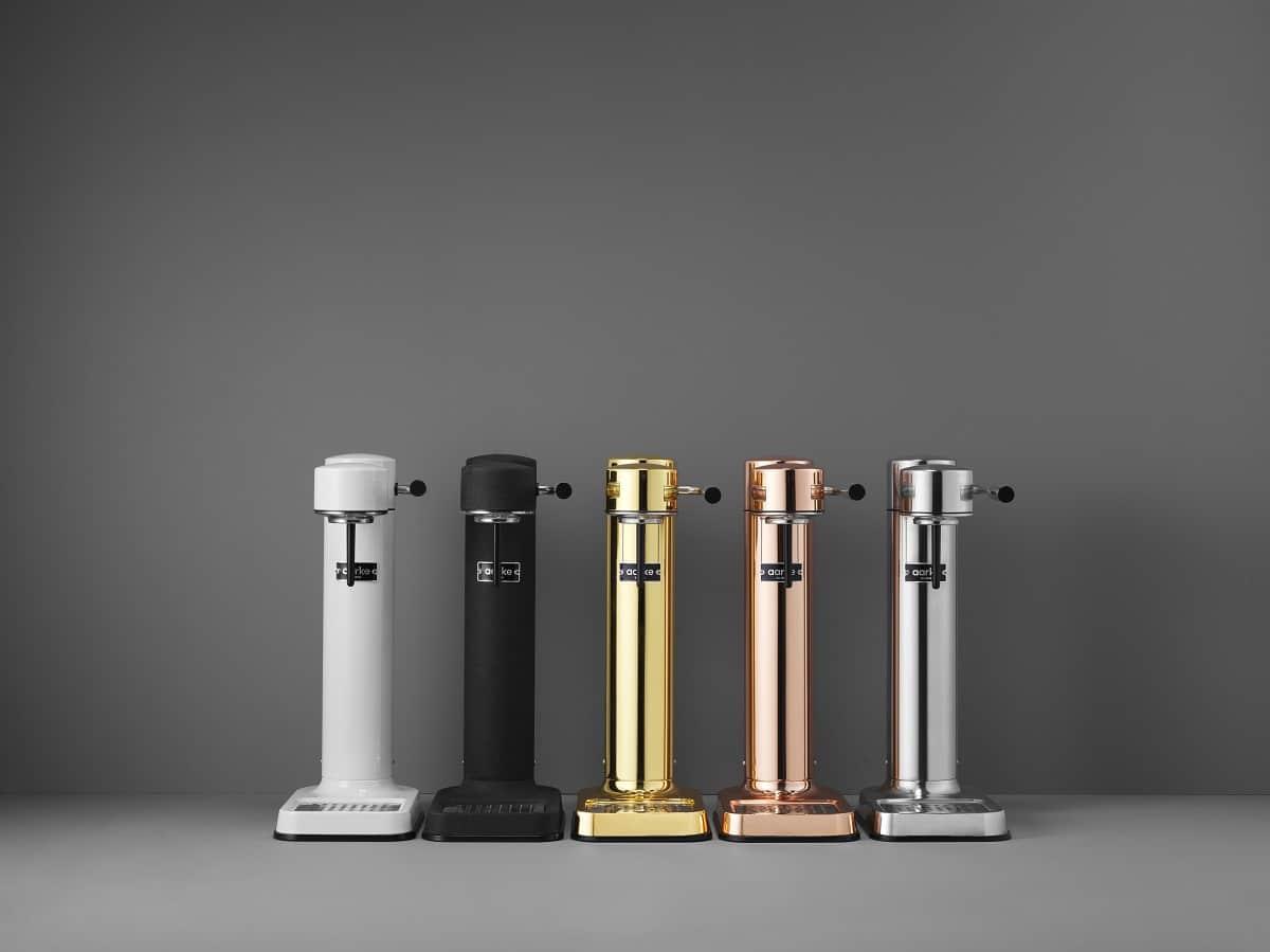 Wassersprudler können auch sexy aussehen: das beweisen diese 5 Metallic-Versionen des Start-Ups aarke, die extrem schlank und mit hochwertigem Edelstahl-Gehäuse daherkommen. (Foto: aarke)