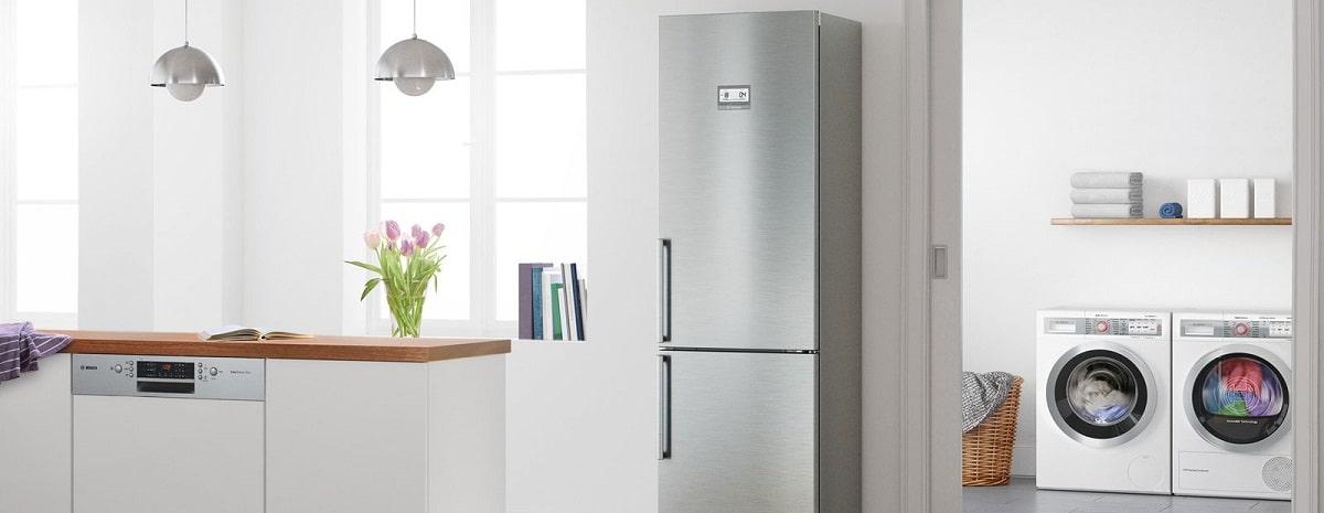 Ein Leben ohne Kühlschrank ist kaum vorstellbar. Doch gerade diese produzieren häufig viel Lärm. Achtet man gezielt auf das konstante Brummen im Hintergrund, merkt man schnell, wie laut sich Kühlschränke um die Kühlung der Lebensmittel kümmern. (Foto: Bosch)