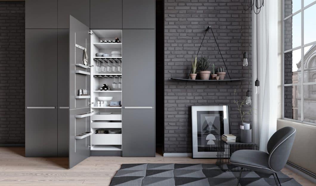 Mattlack ist ein großer Trend in modernen Küchen. Die damit gestalteten Oberflächen wirken elegant und zurückhaltend - und sind leider pflegeaufwändiger, als Hochglanzlack. Abhilfe sollen neue Methoden der Anti-Fingerprint-Beschichtung schaffen. (Foto: SieMatic)