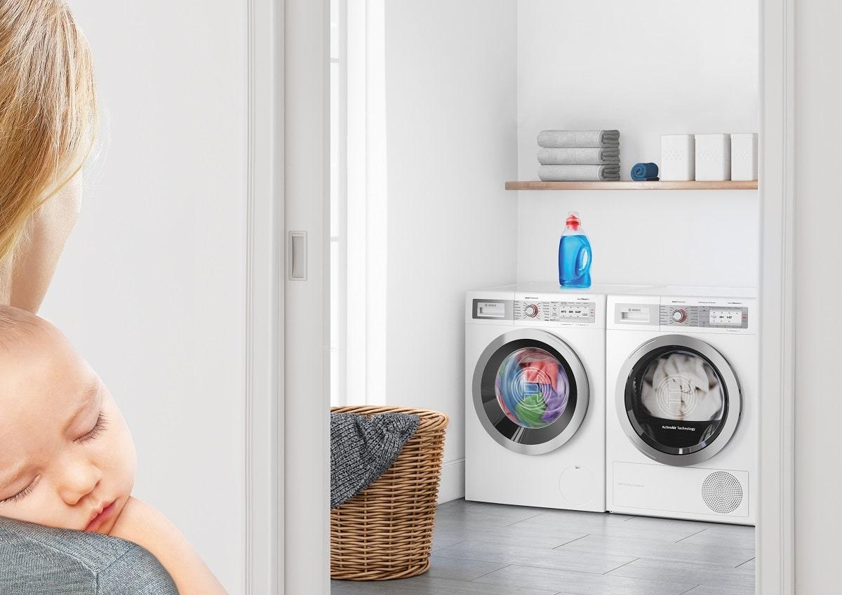 Die Bosch SilenceEdition vereint in sich hochwertige Gerätetechnik, mithin eine außerordentliche Funktionalität sowie ein modernes, ansprechendes Design. Sie sind in der Ausführung Edelstahl oder in weiß sowie als Einbaugeräte, integriert oder vollintegriert und als freistehendes Geräte erhältlich. (Foto: Bosch)