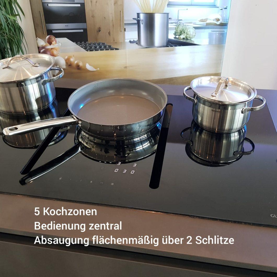 Die Gutmann NIVEL zeichnet sich durch ein besonders puristisches Design bei effektiver Funktionalität aus. So können 5 statt bisher 4 Zonen zum Kochen verwendet werden. (Foto: Manufaktur Gutmann)