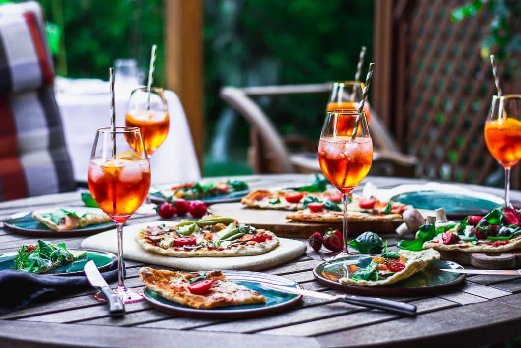 It's summertime! Das Weinglas Stella eignet sich mit seiner attraktiven Form auch perfekt für fruchtige Sommercocktails und spritzige Aperitif-Getränke. (Foto: Annelie Ulrich)