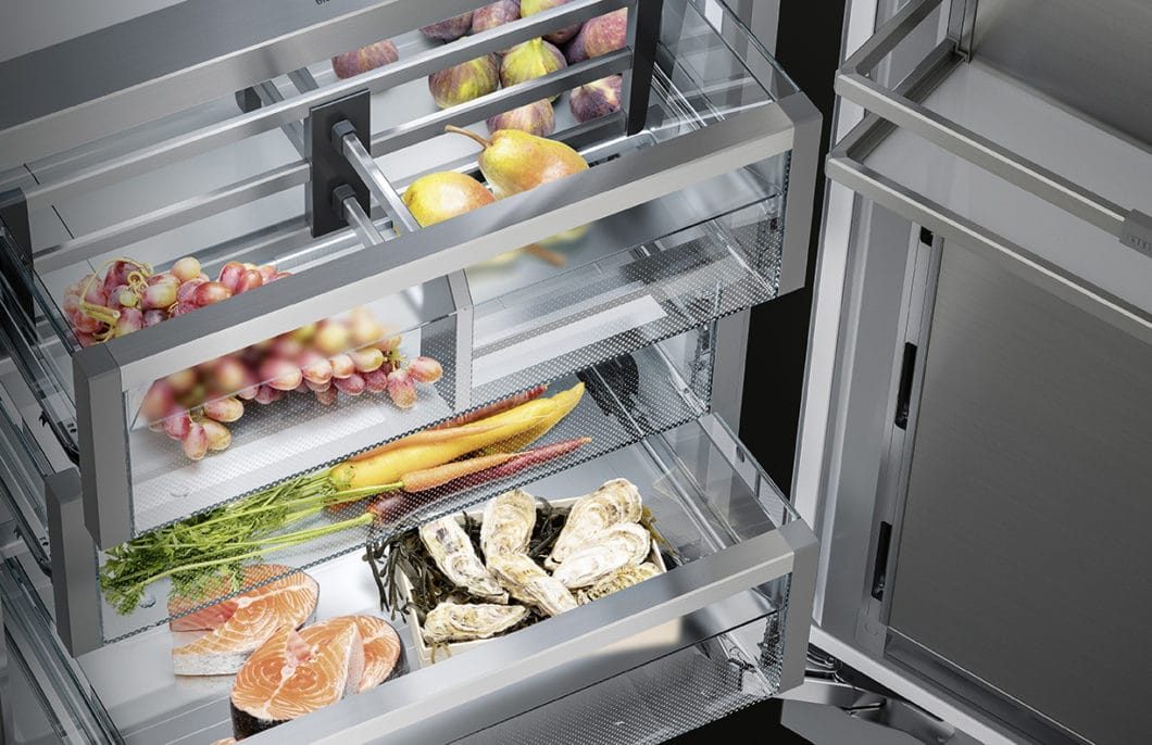 Frisches Obst und Gemüse, Fisch vom Biomarkt, selbst gezüchtete Kräuter: Deutsche und Österreicher achten verstärkt auf ihre Ernährung und die Umweltfreundlichkeit der Zutaten. Das wirkt sich auch auf den Kühlschrankkauf aus. (Foto: Liebherr)