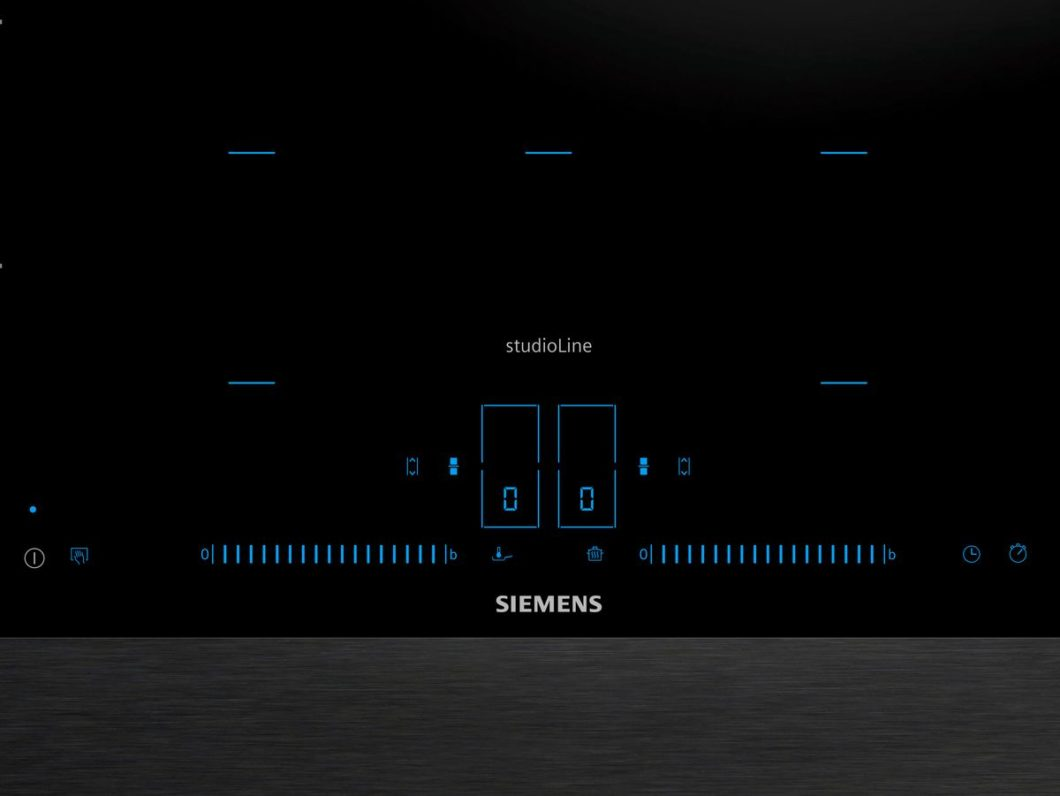 Eine völlig knopffreie Steuerung, allein über seichtes Fingertippen: mit dem Siemens activeLight wird Lichtsteuerung - ähnlich wie beim Smartphone - nun auch in der Küche eingesetzt. (Foto: Siemens Hausgeräte)