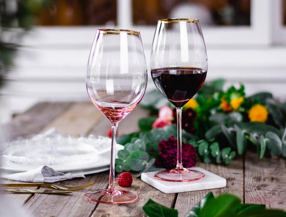 Annelie und Andreas Ulrich machten sich Gedanken (und viele Skizzen), wie ein universales Glas aussehen könnte und befragten dazu auch die weibliche Community von Ulrichs Foodblog. Das Ergebnis war Weinglas Stella. (Foto: Annelie Ulrich)