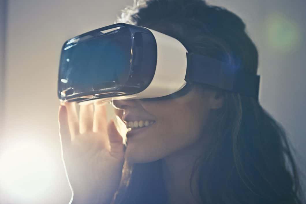 Die Virtual Reality in der Küchenplanung steckt noch in den Kinderschuhen. Mit ihr können Nutzer künftig täuschend echt ihre zukünftige Küche planen. (Foto: Bruce Mars)