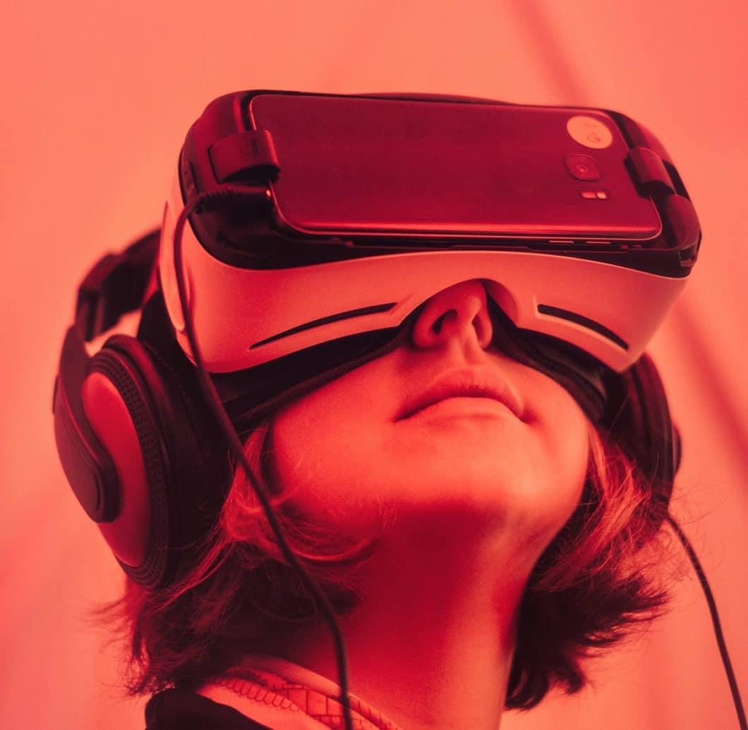 Als die erste VR-Brille auf den Markt kam, war die Aufregung groß. Doch der Fortschritt in der Küchenplanung ist noch schleppend - auch wenn die Virtual Reality in der Küchenplanung viele Vorteile für den Kunden bedeuten würde. (Foto: Samuel Zeller)