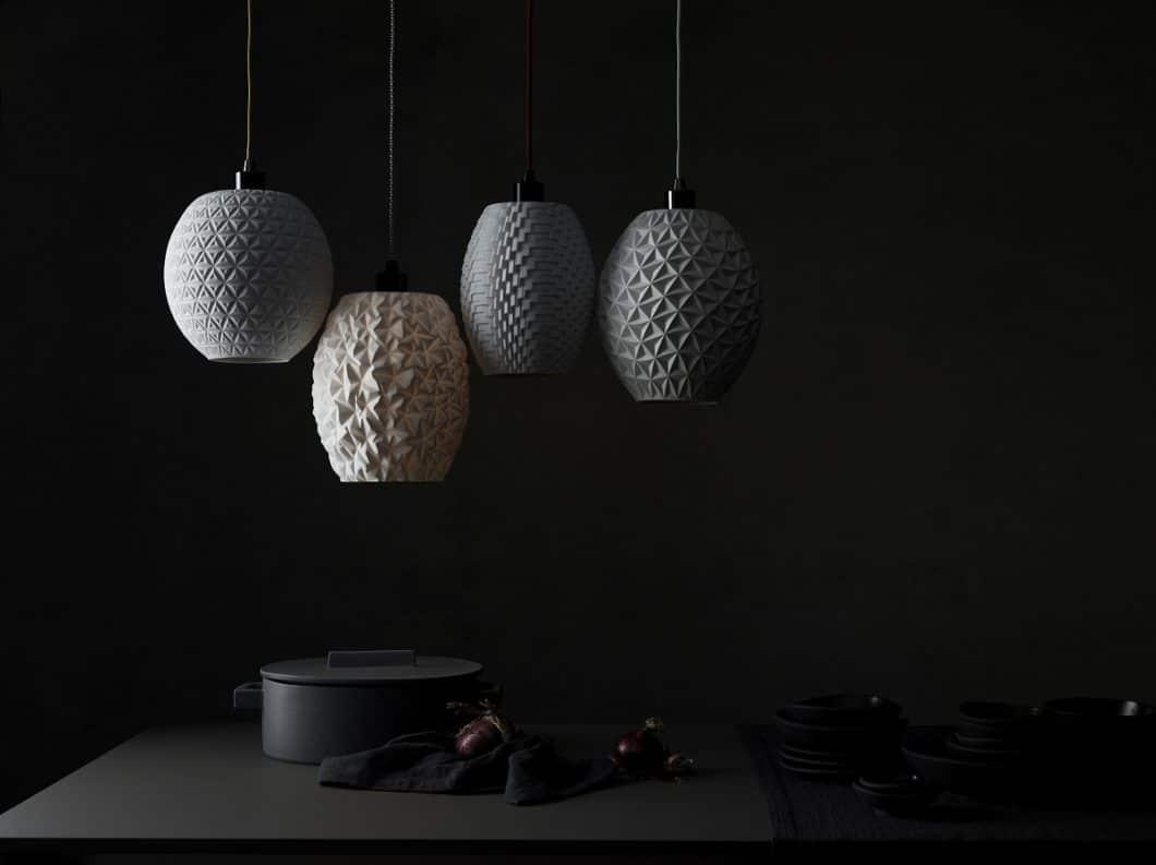Avantgardistisch und gemütlich zugleich: diese Leuchten für die Küche von Rosenthal sind ein echter Hingucker. (Foto: Rosenthal)