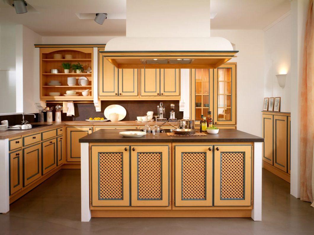 Im kommenden Jahr feiert BAX sein 130. Firmenjubiläum. Bekannt geworden ist die Manufaktur mit stilvollen Landhausküchen - mittlerweile fertigt das Unternehmen aber auch neumoderne Architekturküchen an. (Foto: BAX)