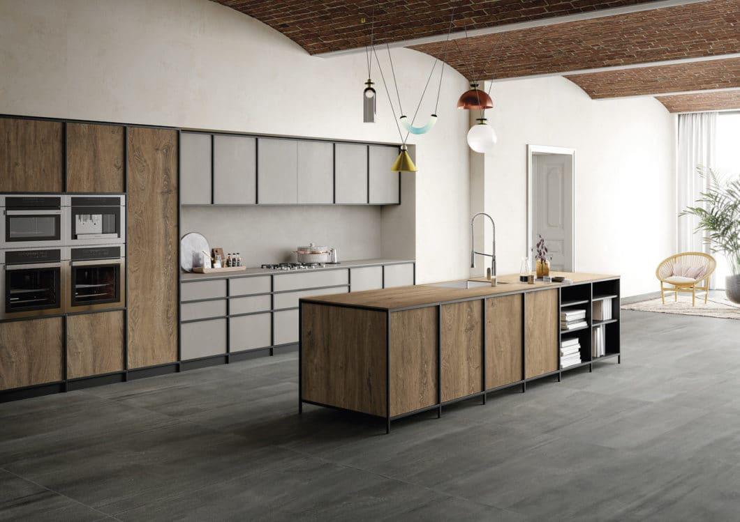 Holzküchen sind nicht mehr das, was sie mal waren: sie sind jetzt viel moderner, schöner und robuster gegenüber den täglichen Kücheneinflüssen. (Foto: SapienStone)