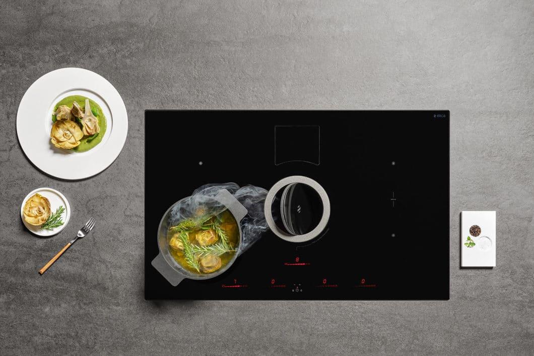 Gemeinsam mit BORA war die italienische Firma Elica einer der ersten Anbieter hochwertiger Kochfelder mit integriertem Dunstabzug, dem sogenannten Downdraft. (Foto: Elica; NIKOLATESLA SWITCH)