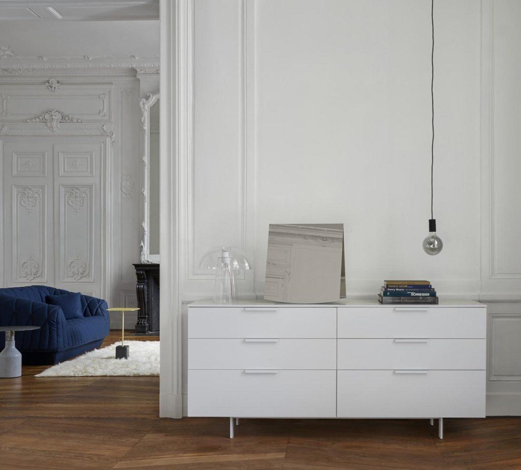 """Als """"Japandi"""" bezeichnet das Schöner Wohnen-Magazin die neue Mischform aus skandinavischem und japanischem Einrichtungsstil: aufgeräumt, minimalistisch - und dennoch wohnlich. (Foto: Ligne Roset)"""
