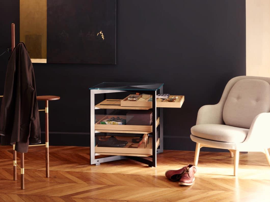 bulthaup integriert sich verstärkt in den Wohnraum seiner elitären Konsumenten: die minimalistische, hochelegante Konstruktion glatt geschmirgelter bulthaup-Küchen findet sich nun auch im Wohnmobiliar bulthaup b solitaire wieder. (Foto: bulthaup)