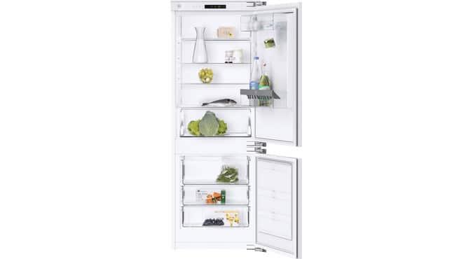 """Der """"CombiCooler V400"""" ähnelt den anderen Kühlgeräten von V-ZUG, ist aber kompakter aufgestellt. Die neue Kühltechnologie """"PureCool"""" kommt darin bereits zum Einsatz. (Foto: V-ZUG)"""