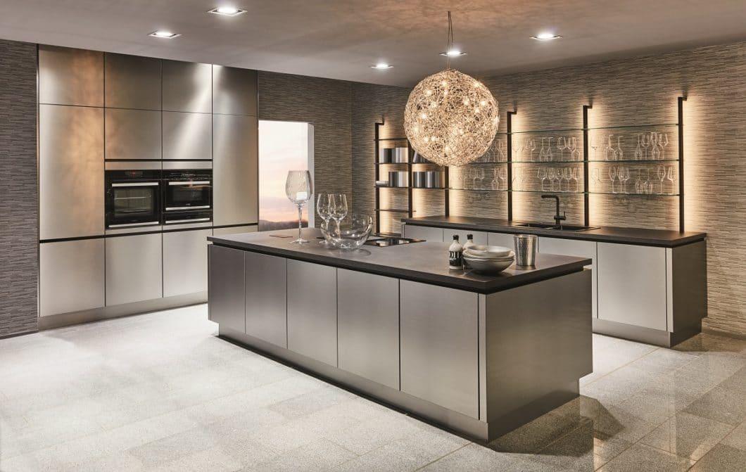 Von stilvoll bis natürlich, vom Landhaus- bis zur Design-Küche: nobilia hat viele Gesichter. Und ist Europas größter Küchenhersteller. (Foto: nobilia)
