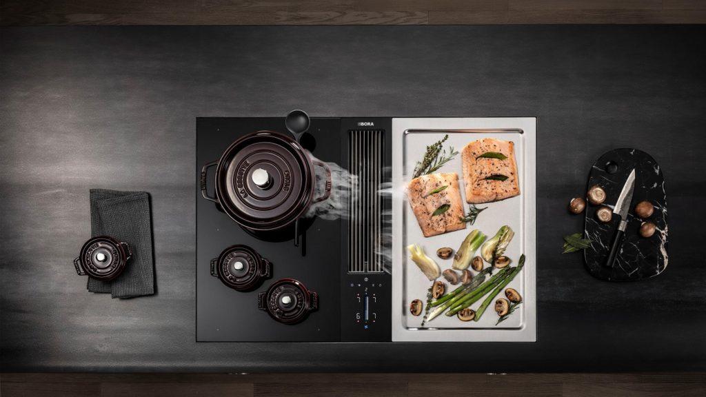Ein professioneller Anblick: der Teppan Yaki hat in den letzten zwei Jahren einen rasanten Aufstieg erfahren und zählt zu den begehrtesten Innovationen im Küchenraum. (Foto: BORA)