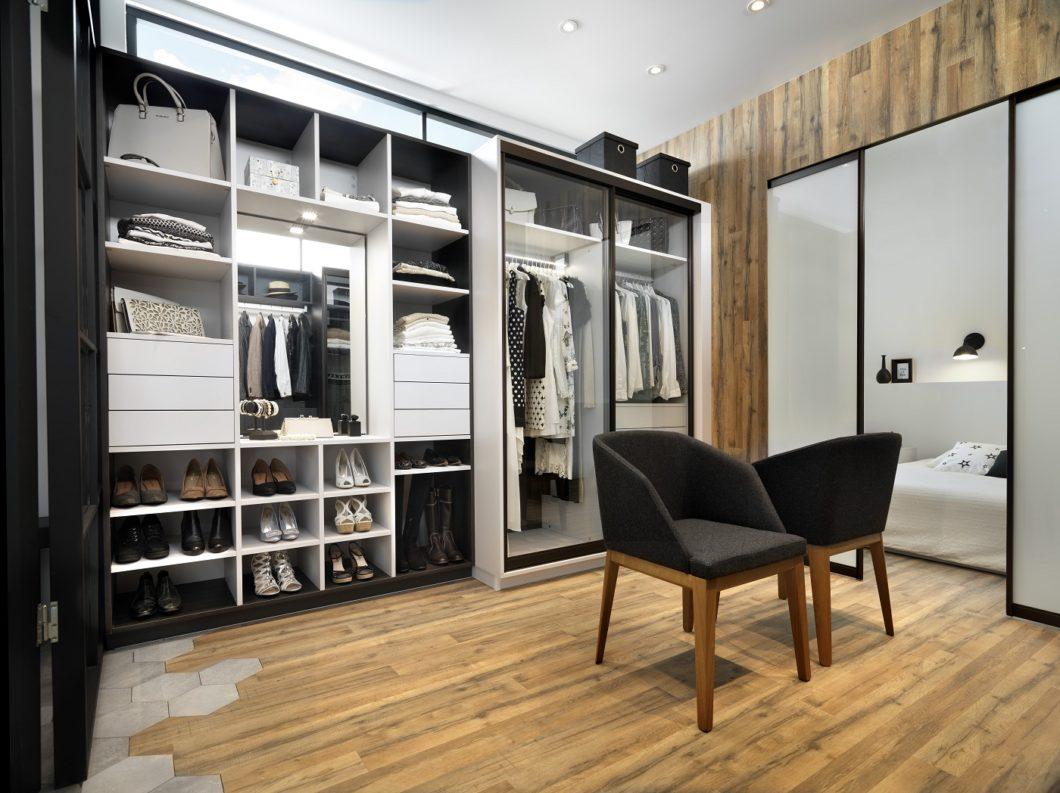 Das Möbelstück richtet sich nach dem Kunden - und nicht andersherum. Selbst begehbare Ankleiden können über SCHMIDT Küchen Karlsruhe individuell entworfen werden. (Foto: SCHMIDT Küchen)