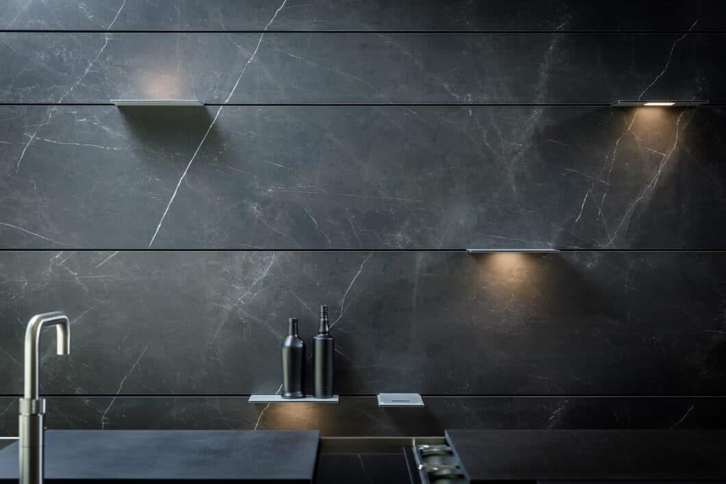 THE WALL setzt auch im Interior Design neue Maßstäbe in der Küchenraumgestaltung. Mit Dekton von Cosentino lassen sich luxuriöse Optiken realisieren. (Foto: orea Europe)