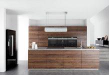 Es gibt viele verschiedene Arten von Dunstabzugshauben. Wir stellen ihnen ausgewählte Modelle im Überblick vor, die auch in der modernen Küche eine gute Figur machen. (Foto: Siemens Hausgeräte)