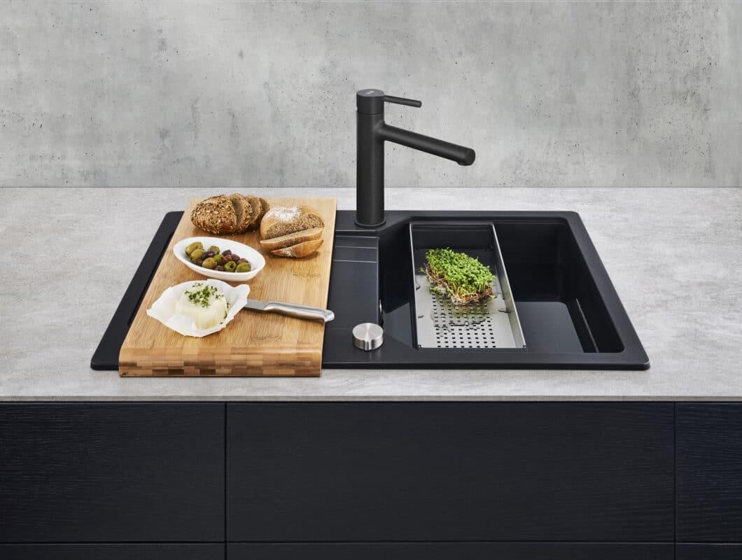 """""""Urban"""" aus den Franke-Neuheiten 2021: ein Duo aus Spüle und Armatur, das optisch in jeden Küchenraum passt. (Foto: Franke GmbH)"""