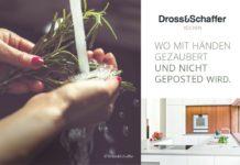 Die aktuelle Dross&Schaffer-Kampagne erinnert uns an das, was wirklich zählt: inmitten von Likes, Shares und Postings spielt sich das wahre Leben im Miteinander ab - oftmals im Küchenraum. (Foto: Dross&Schaffer Küchen)