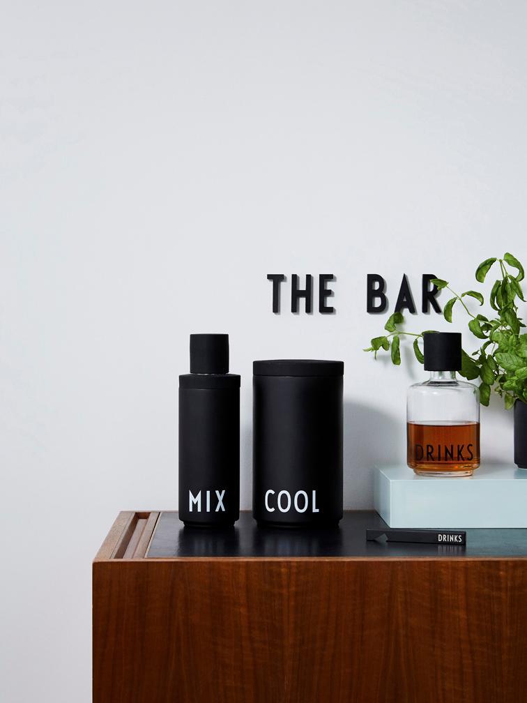 """Geschenk mit Ausbaupotenzial: Zum Cocktailshaker """"Mix"""" gehört mitunter der Eiswürfelkühler """"Cool"""". (Foto: Design Letters)"""