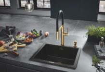 GROHE-Armaturen sollen stärker ins Bewusstsein von Küchenkäufern rücken. Möglich sind z.B. tolle Goldhähne. (Foto: GROHE)