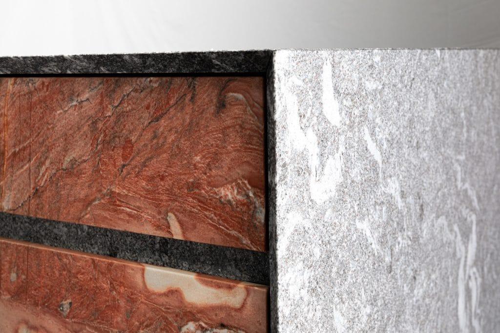 Naturstein ist besonders in Premiumküchenräumen ein gefragtes Material. Die Ansprüche steigen genauso wie die Möglichkeiten. (Foto: MCR)