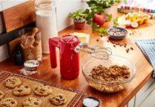 Kabellos kochen und backen? Mit der neuen CORDLESS-Serie von KitchenAid ist das problemlos möglich - und sieht obendrein noch stylisch aus. (Foto: KitchenAid)