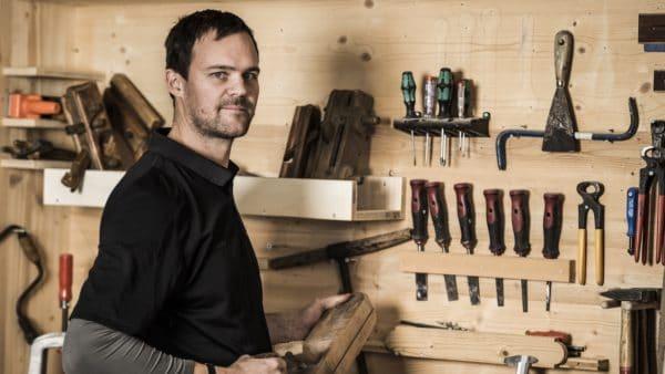 Tischler aus Leidenschaft: Studioinhaber Hannes Vötter. (Foto: The Kitchen Club)