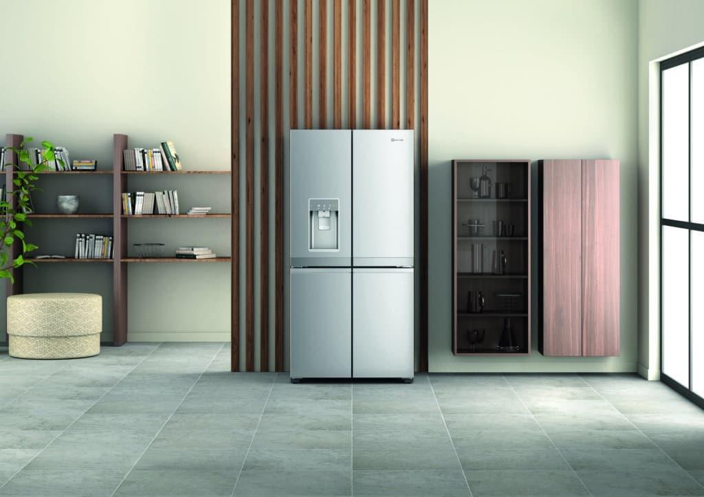 """Sieht aus wie eine normale Kühl-Gefrier-Kombi, wird aber als """"Vorratsmanager"""" gehandelt: der """"Active Quattro"""". (Foto: Bauknecht)"""
