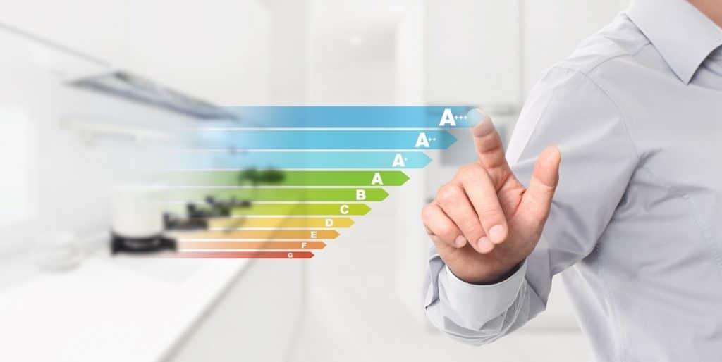 Diese Energieabstufungen gehören ab März 2021 der Vergangenheit an: Hersteller müssen ihre Geräte dann auf einer deutlich knapperen und strengeren Energieeffizienzskala einordnen. (Foto: stock/ visivasnc)