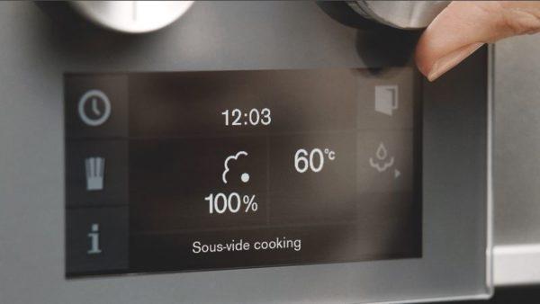 Touchdisplays geben Aufschluss über den richtigen Einsatz von Energie für jedes Gericht. (Foto: Gaggenau)