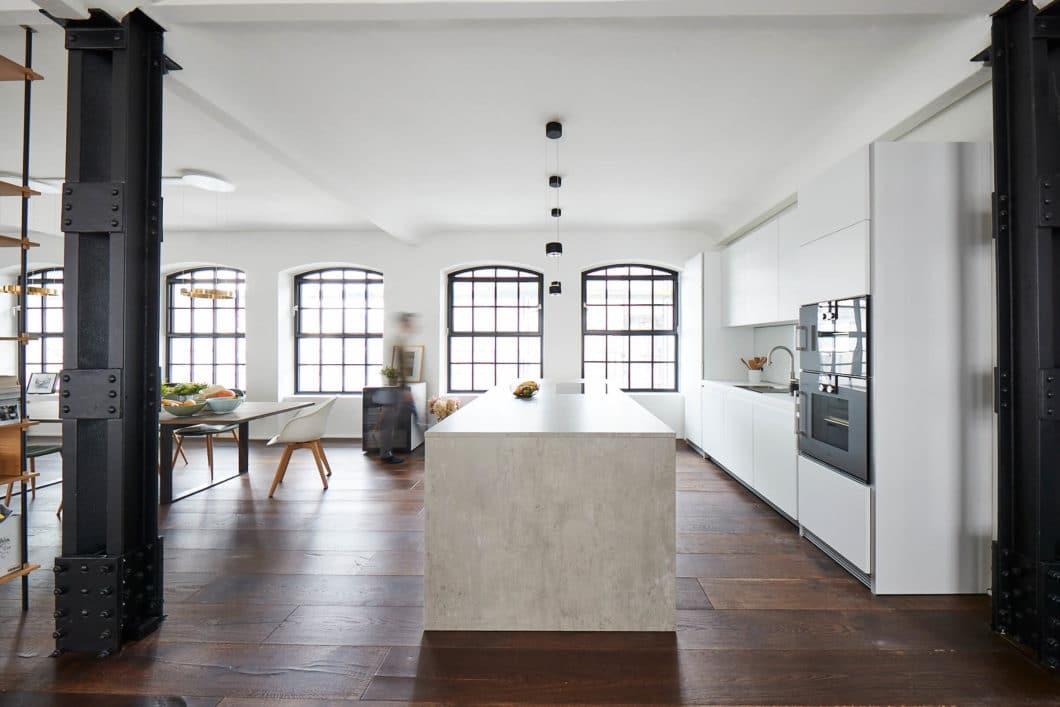 Neues Jahr, neue Ideen: wir stellen Ihnen unsere Favoriten für die Küche 2021 vor - eine schöne Fotogalerie als Inspiration für Ihre Planung. (Foto: Volker Renner/ KAH Küchen-Atelier Hamburg)