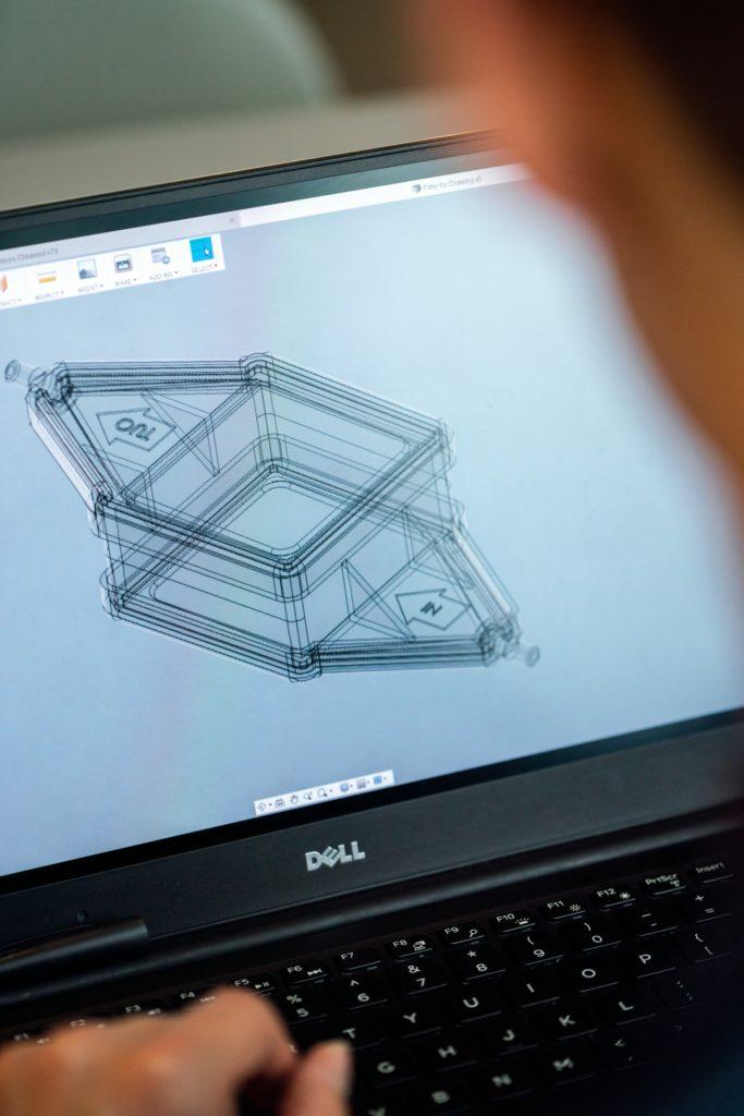 Mittels moderner Technologie durchstreifen Sie bereits während der Planung Ihre neue Küche - digital und doch realitätsgetreu. (Foto: stock/ thisisengineering)