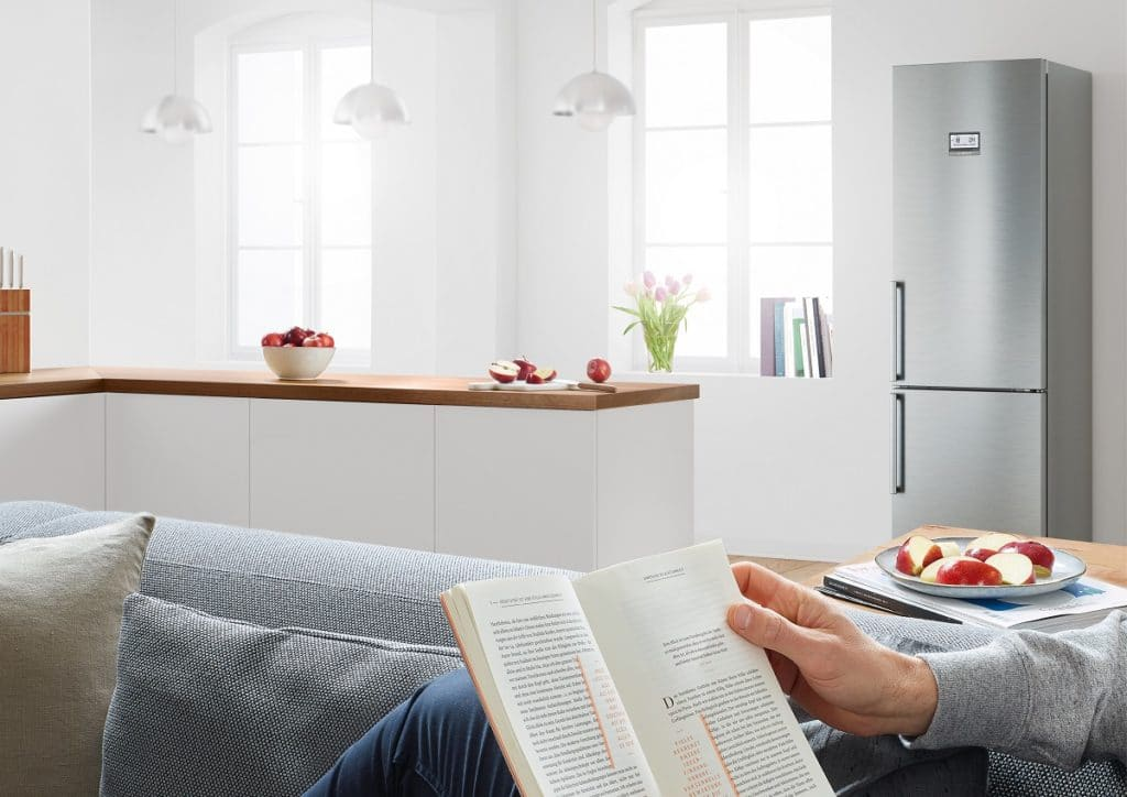 """Die Bosch """"SilenceEdition"""" wurde als extra leise Einbaugeräteserie entwickelt - für einen ungestörten Alltag im Küchenraum (und empfindliche Tierohren). (Foto: Bosch)"""