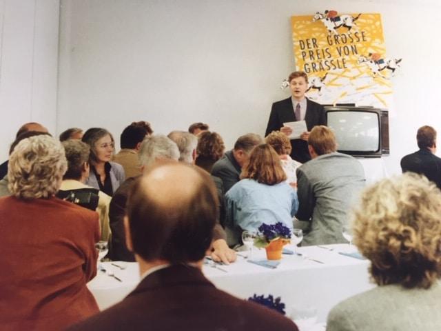 Vor mehr als 30 Jahren wurde das Studio Grässle Küche•Bad•Möbel eröffnet. Hier ein Foto der Eröffnungsrede. (Foto: Grässle Küche•Bad•Möbel)
