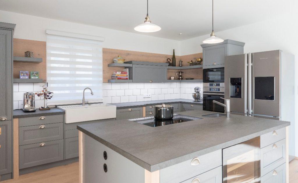 Filigran und unempfindlich zugleich: Keramik setzt den Anforderungen des Küchenalltags eine robuste Oberfläche entgegen – und viel Eleganz. (Foto: WohnHaus Grill & Ronacher)